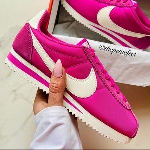 NWT Nike Classic Cortez